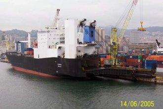 foto: Genova, 14-06-2005, Shipspotting.com